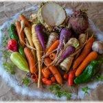 Die Zutaten für selbstgemachte Gemüse-Würzpaste - Biogemüse von unserer Solidarischen Landwirtschaft und Meersalz!