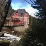 """Das Gasthaus """"Steinerne Renne"""" oberhalb der Holtemme"""